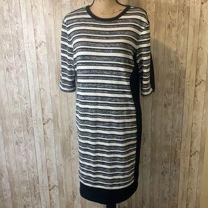 3/$25 🔆 Sandra Darren 3/4 length Sleeved Dress